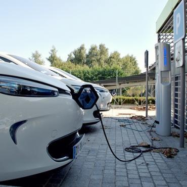 Borne recharge véhicules électriques